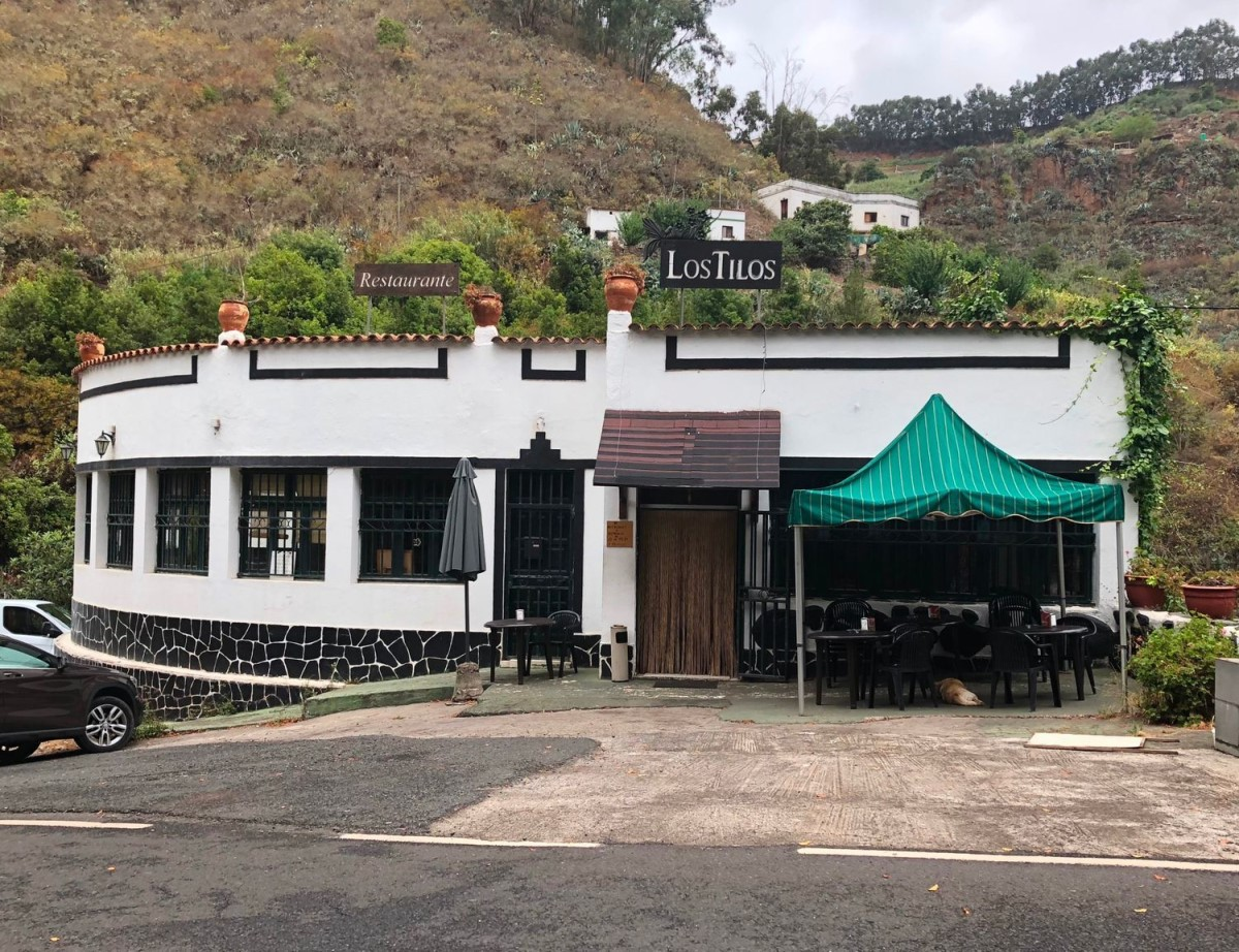 Edificio Dotacional en Venta en  Moya