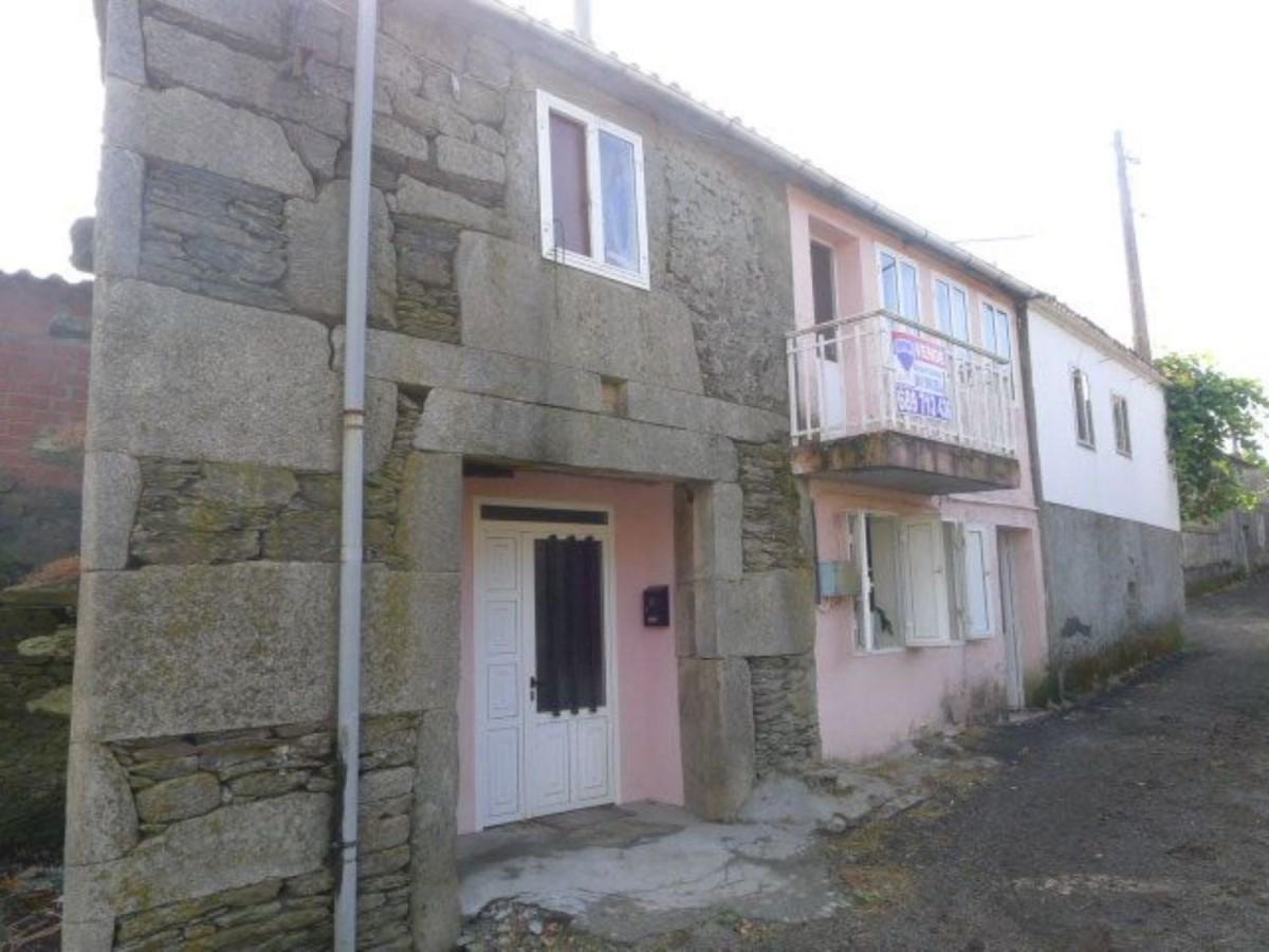Casa Rural en Venta en  Lalin