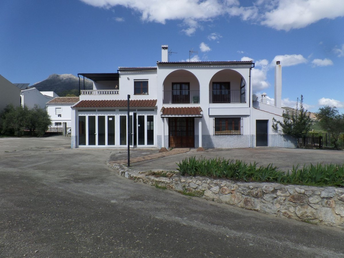 Casa Rural en Venta en  Yunquera