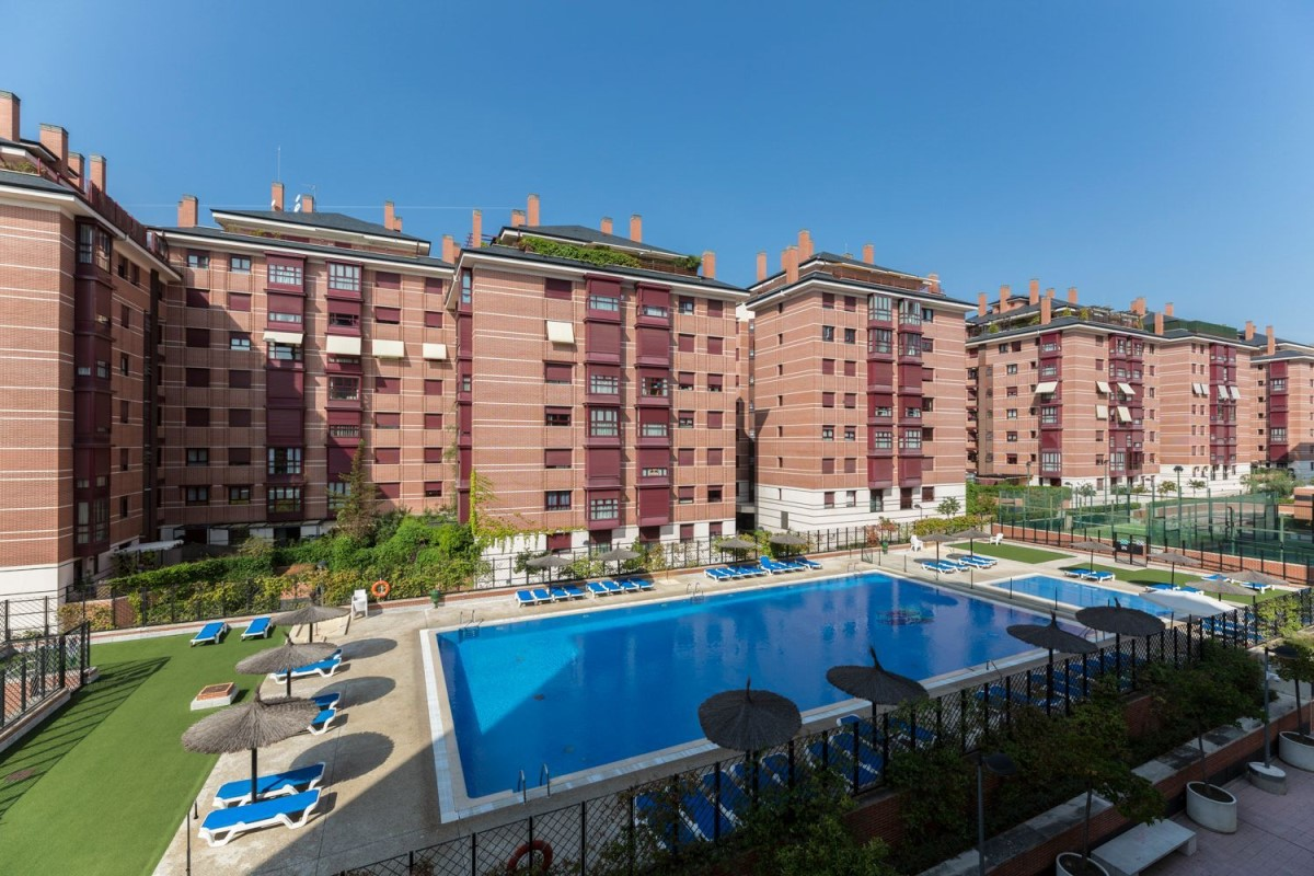 Apartment  For Sale in Hortaleza, Madrid