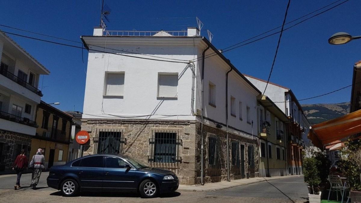 Chalet Adosado en Venta en  Escorial, El