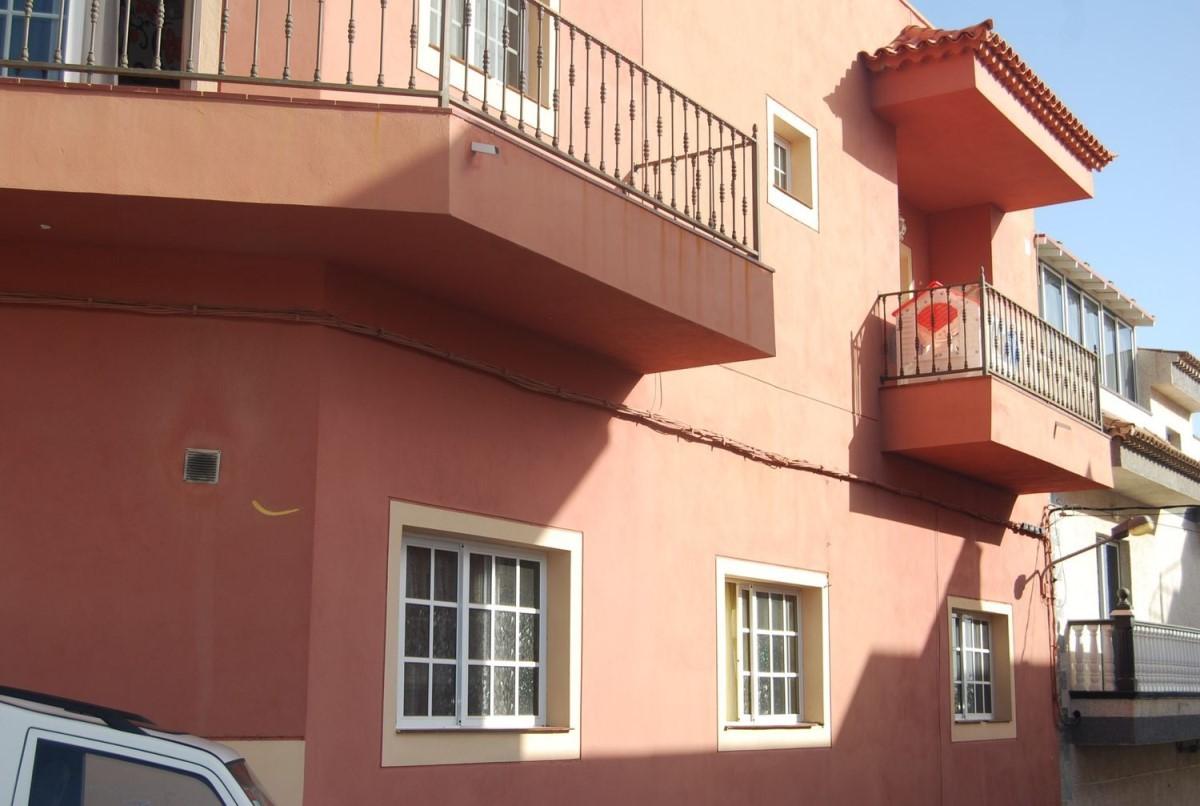Edificio de Viviendas en Venta en  Guia De Isora