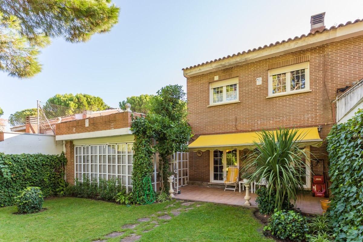Terraced House  For Sale in  Boadilla del Monte