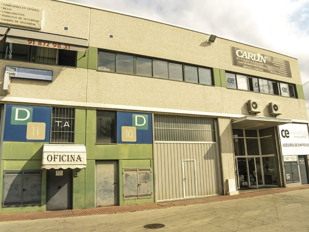 Industrial premises  For Sale in  Arganda