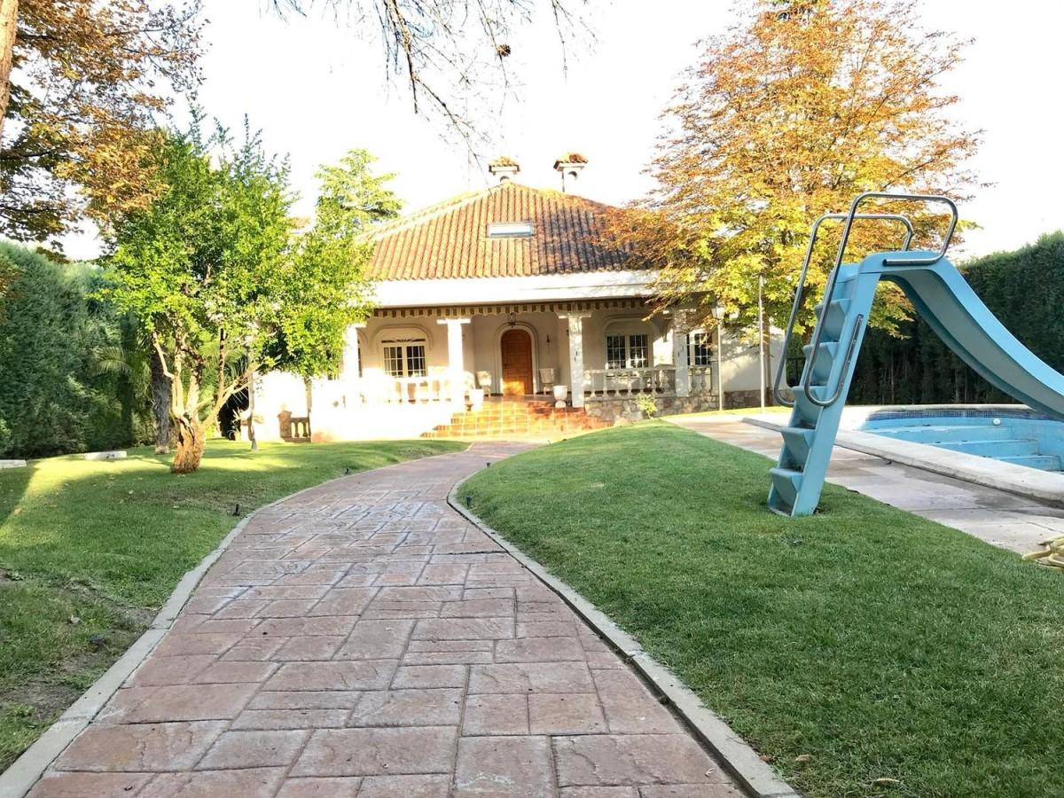 Chalet en Venta en  Villalbilla