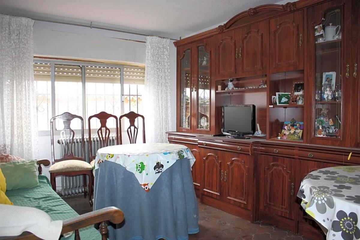 Apartment  For Sale in  Valdemorillo