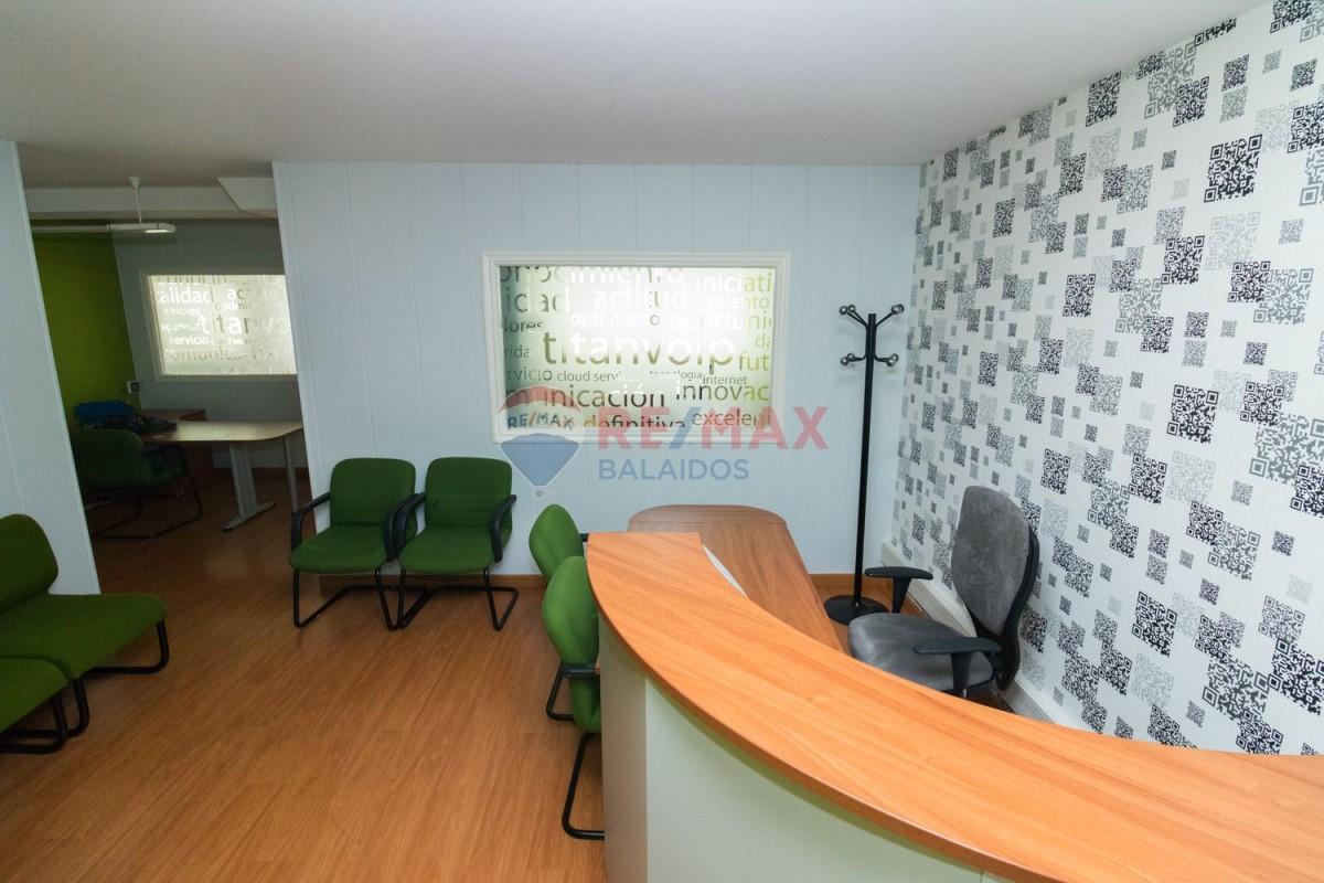 Office  For Sale in Casco Viejo - Berbes, Vigo