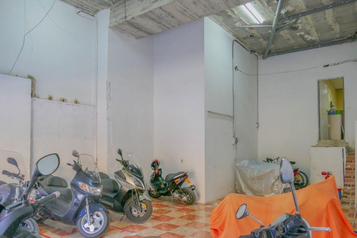 Retail premises  For Rent in Benimaclet, València
