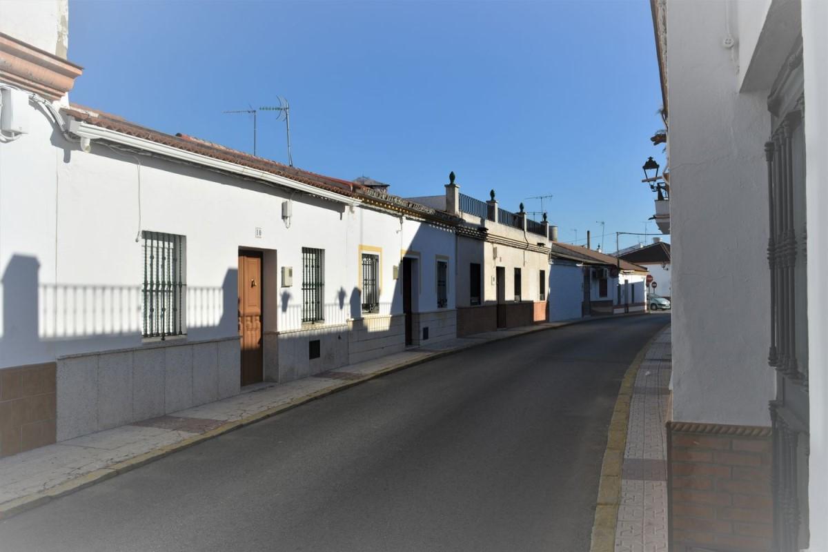 Chalet Adosado en Venta en  Villanueva del Ariscal