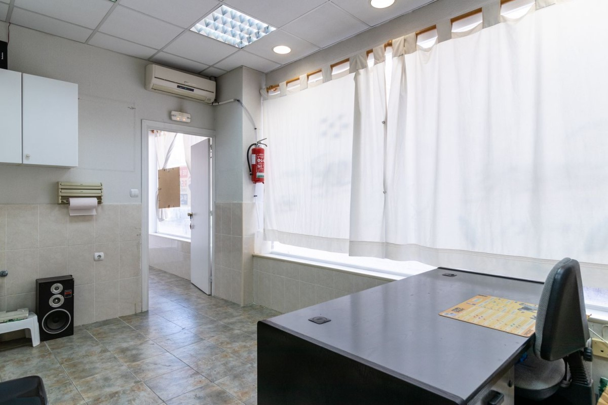 Retail premises  For Sale in Centro, Leganés
