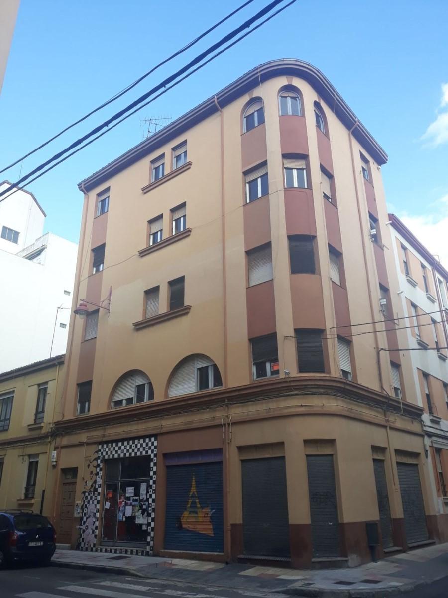 Edificio de Viviendas en Venta en  León