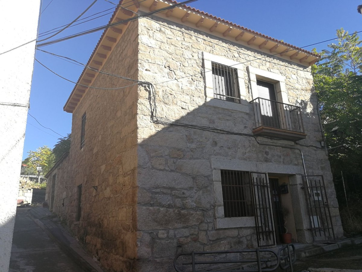 House  For Sale in  Valdemaqueda