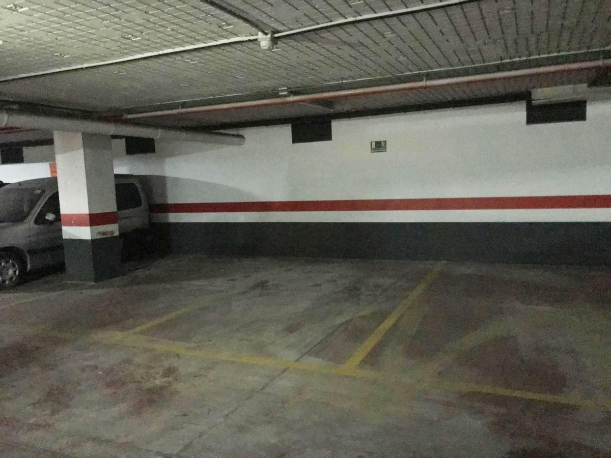 Garaje en Venta en  Dos Hermanas