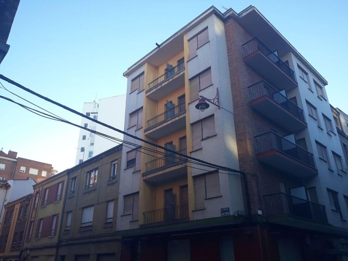 Edificio Dotacional en Venta en  León