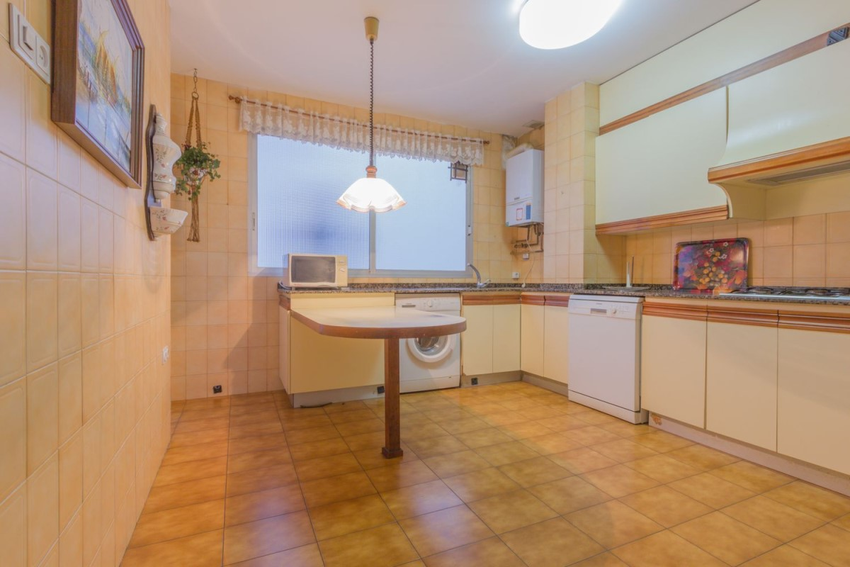 Apartment  For Sale in L´Eixample, València