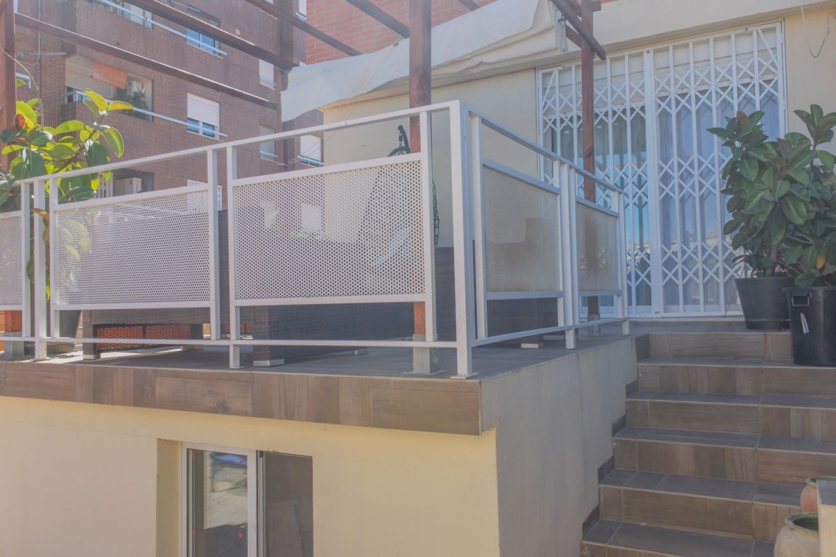 Terraced House  For Sale in  borboto