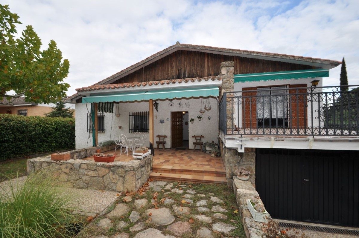 House  For Sale in  Pelayos de la Presa