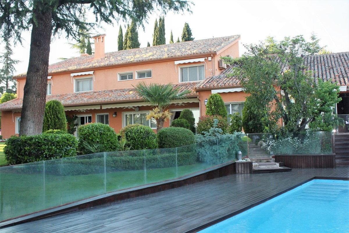 House  For Rent in Moncloa, Madrid