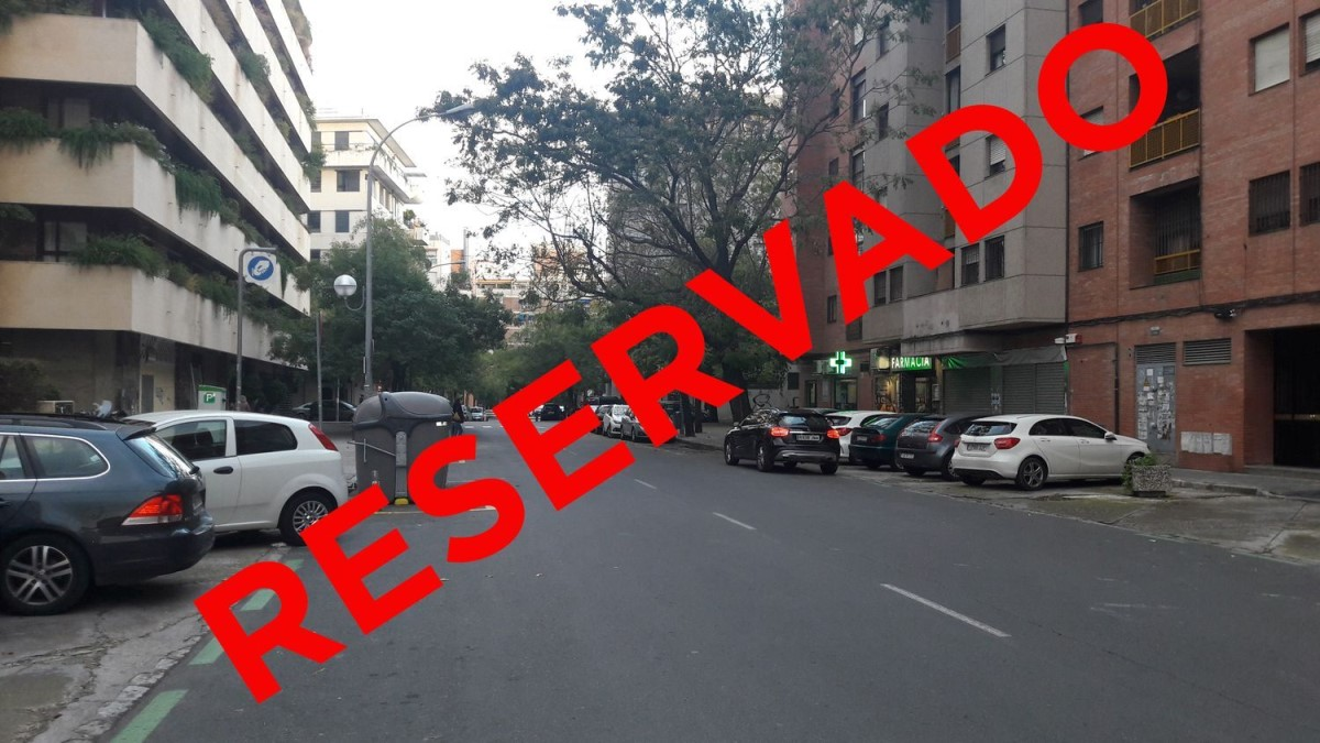 Retail premises  For Sale in nervión, Sevilla