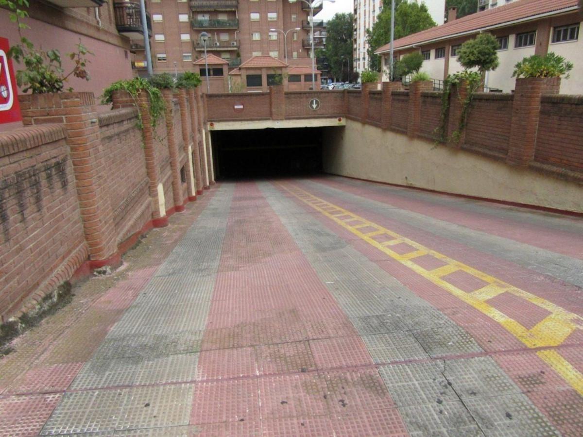 Garaje en Venta en  Alcalá de Henares