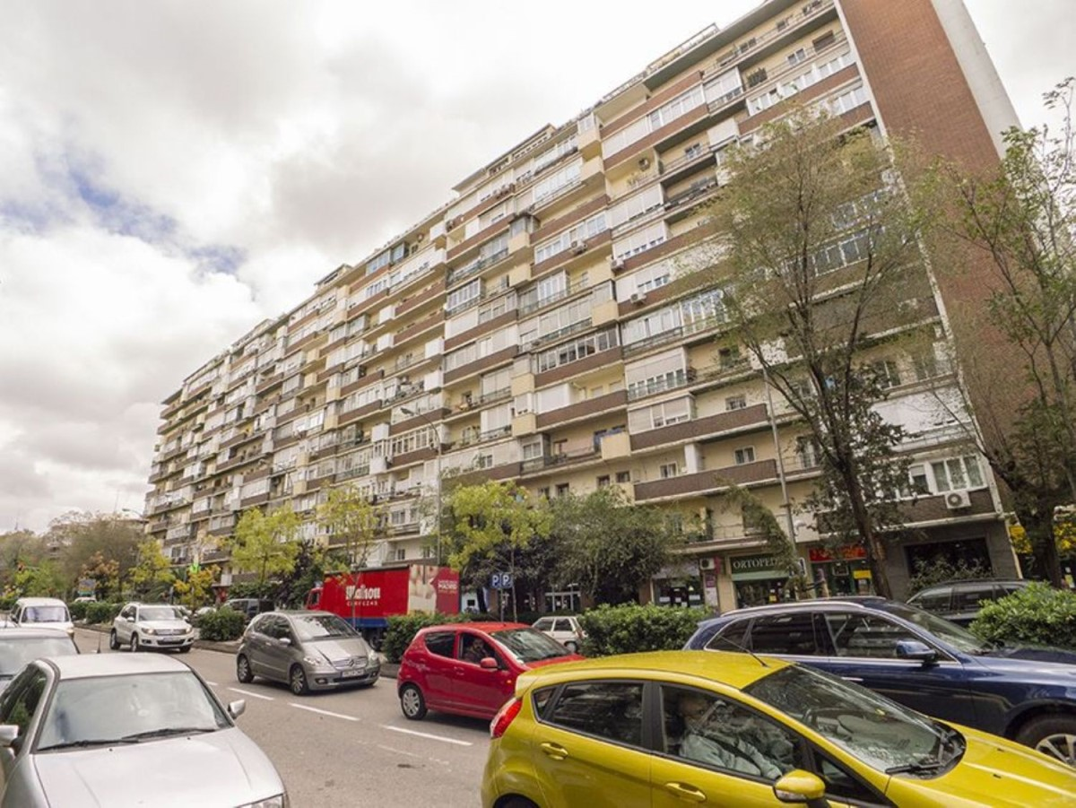 Apartment  For Sale in Ciudad Lineal, Madrid