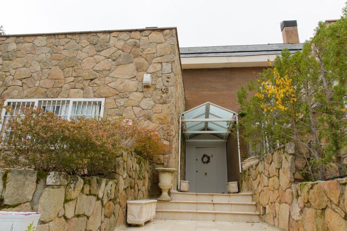Chalet Adosado en Venta en Rozas Centro, Rozas de Madrid, Las
