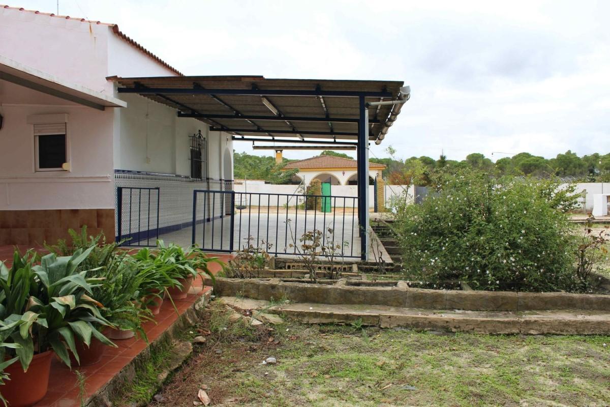 Casa Rural en Venta en  Bonares