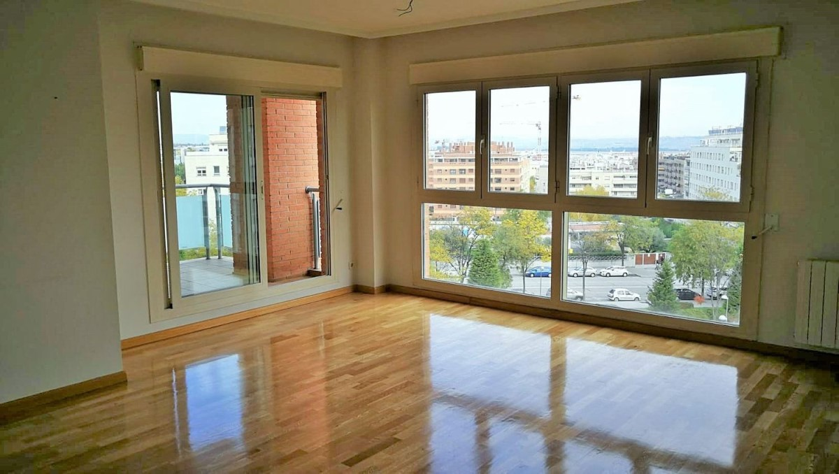 Apartment  For Rent in San Blas, Madrid