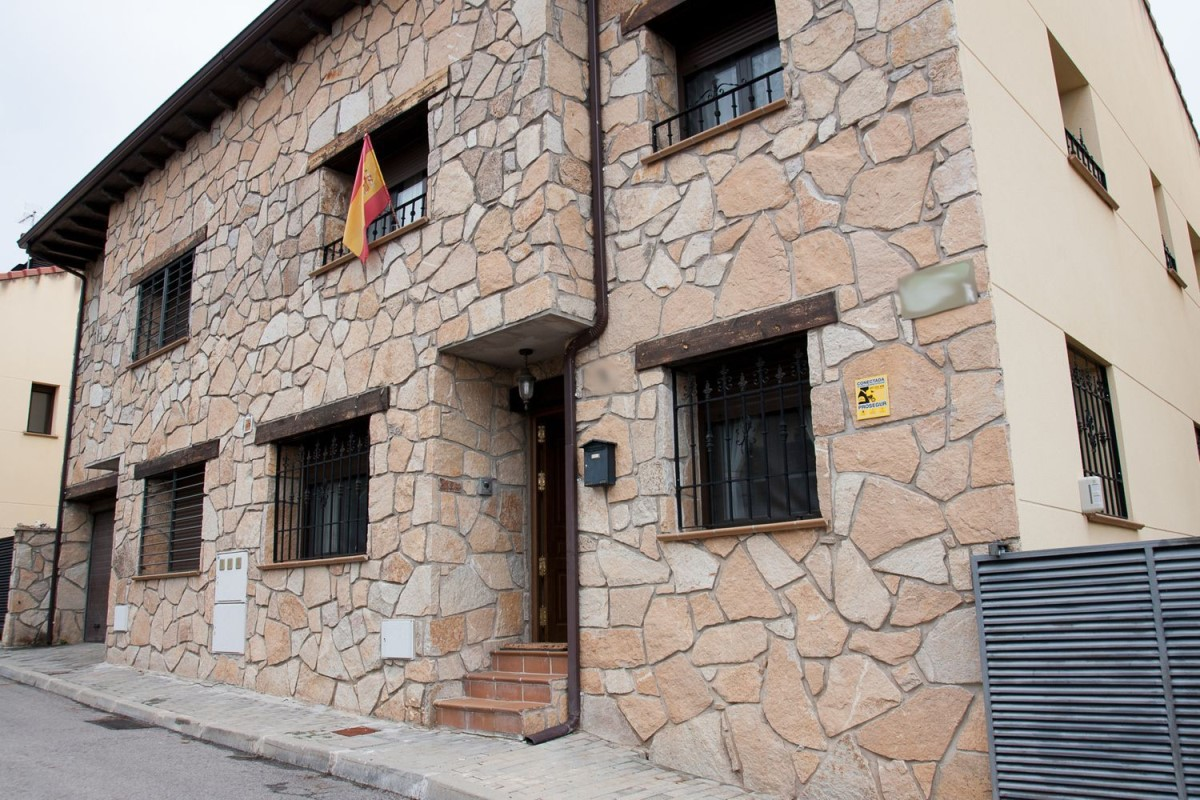 Terraced House  For Sale in  Redueña