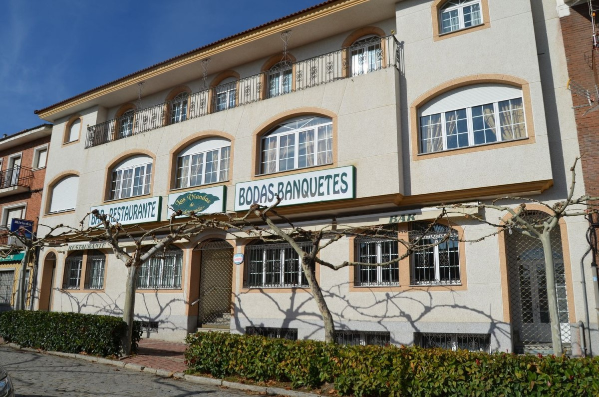 Edificio de Viviendas en Alquiler en  Hoyo de Pinares, El