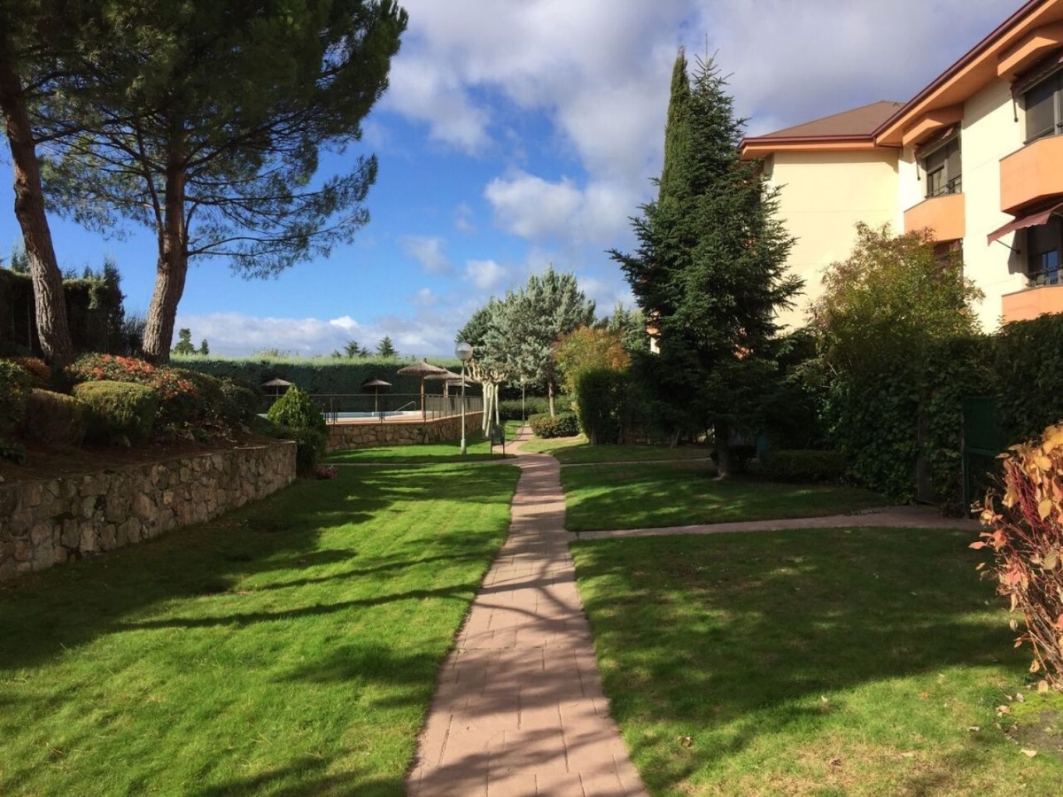 Apartment  For Rent in El Pinar- Punta Galea, Rozas de Madrid, Las