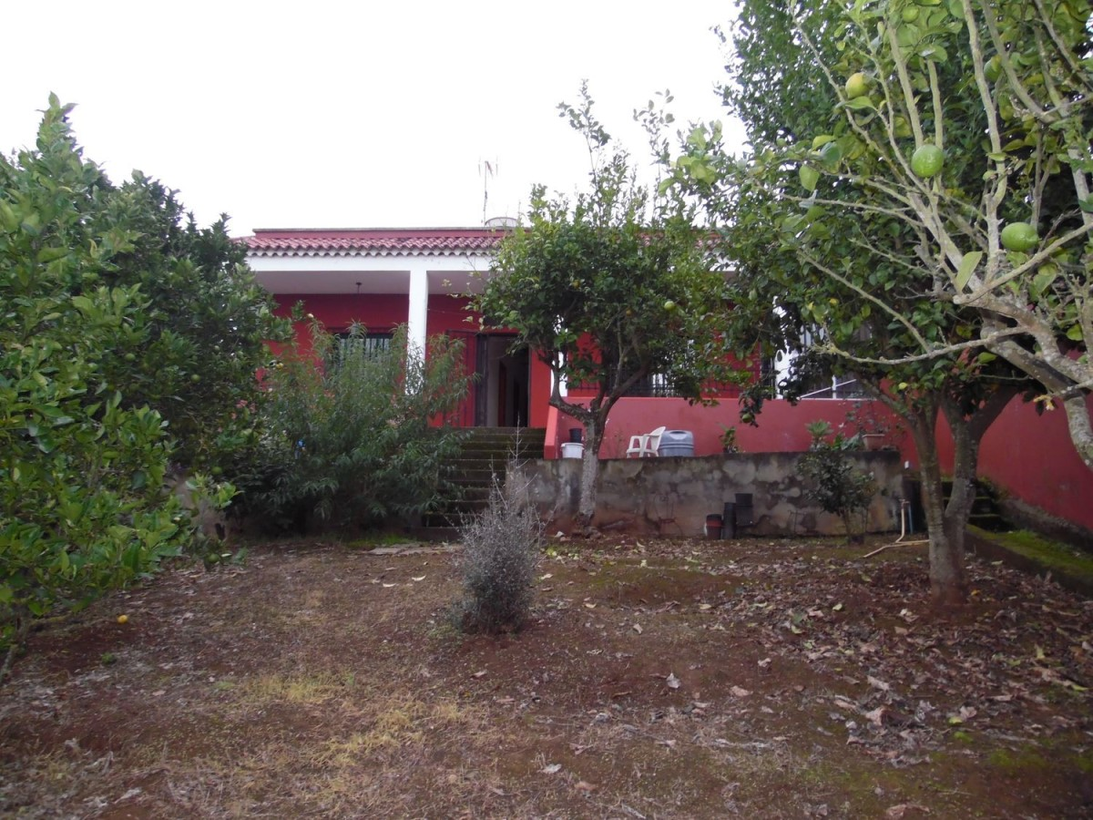 House  For Sale in  Moya
