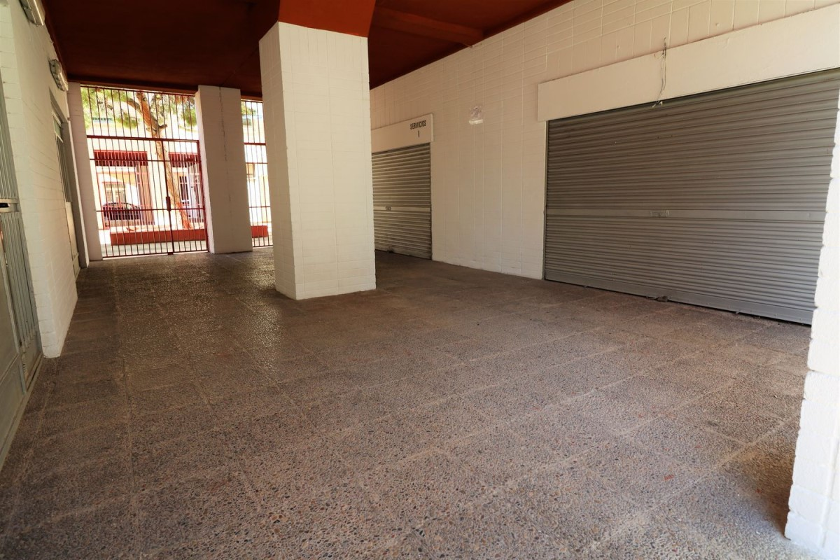 Retail premises  For Sale in  Mutxamel