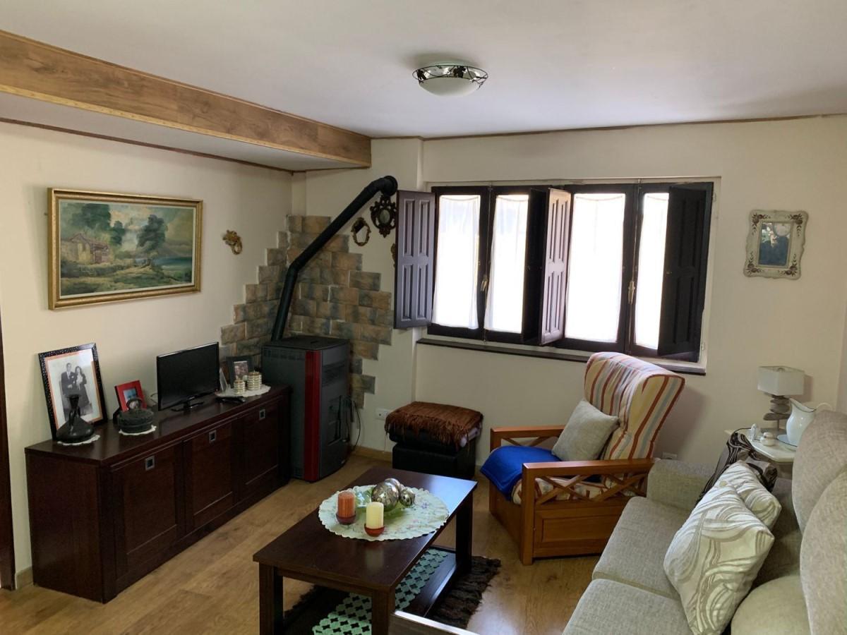 Casa Rural en Venta en  Folgoso de la Ribera