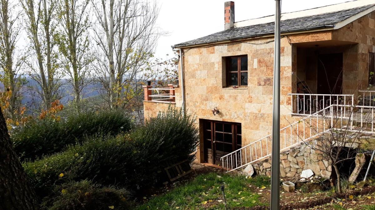 Chalet en Venta en  Molinaseca