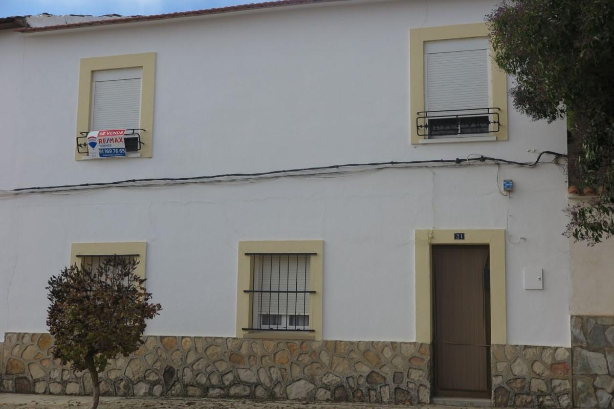 Chalet Adosado en Venta en  Hinojosos, Los