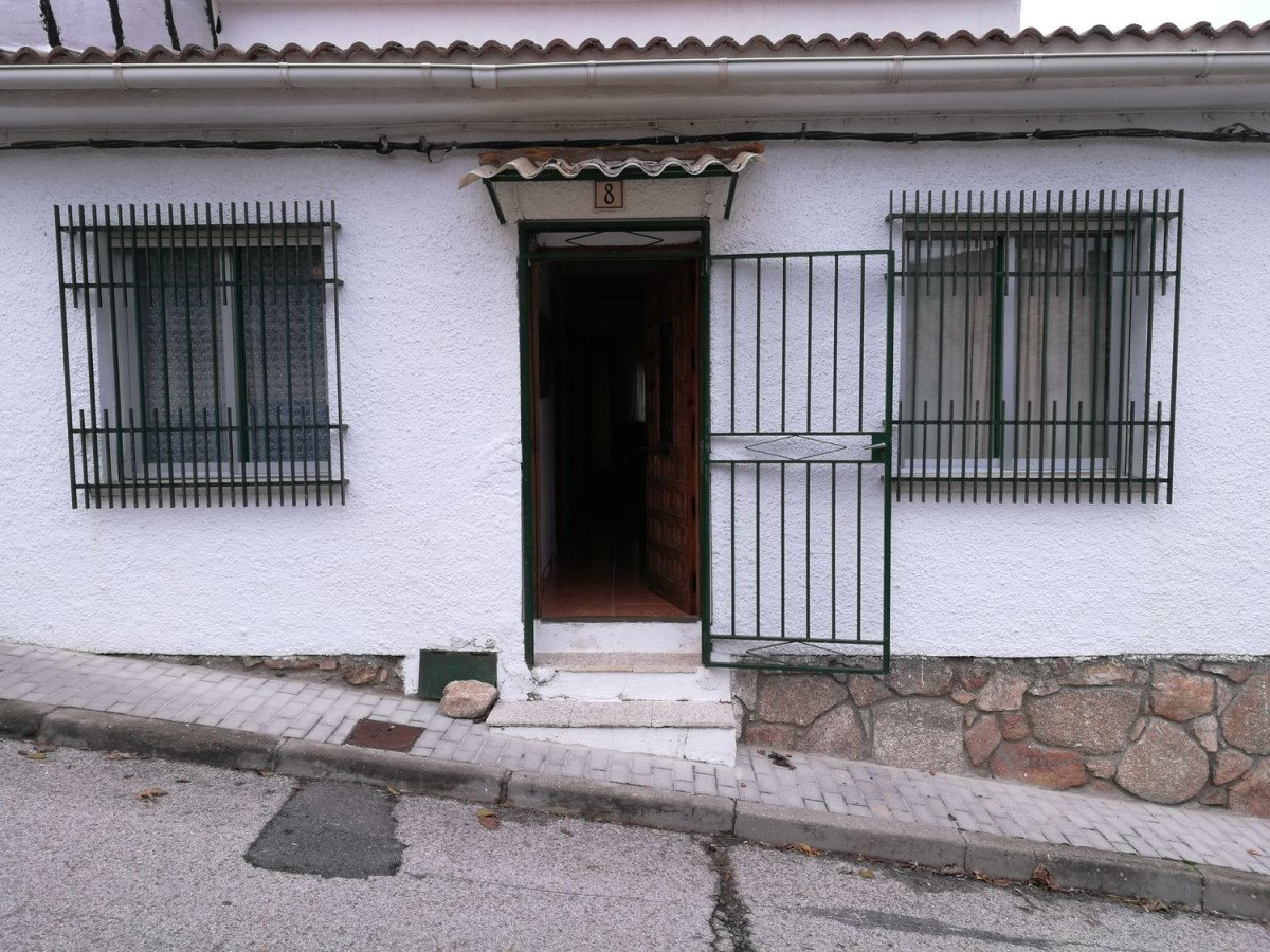 Terraced House  For Sale in  Robledo de Chavela