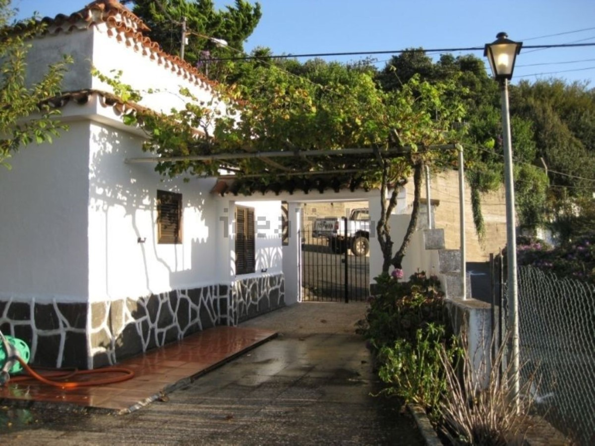 Chalet en Alquiler en  Valleseco