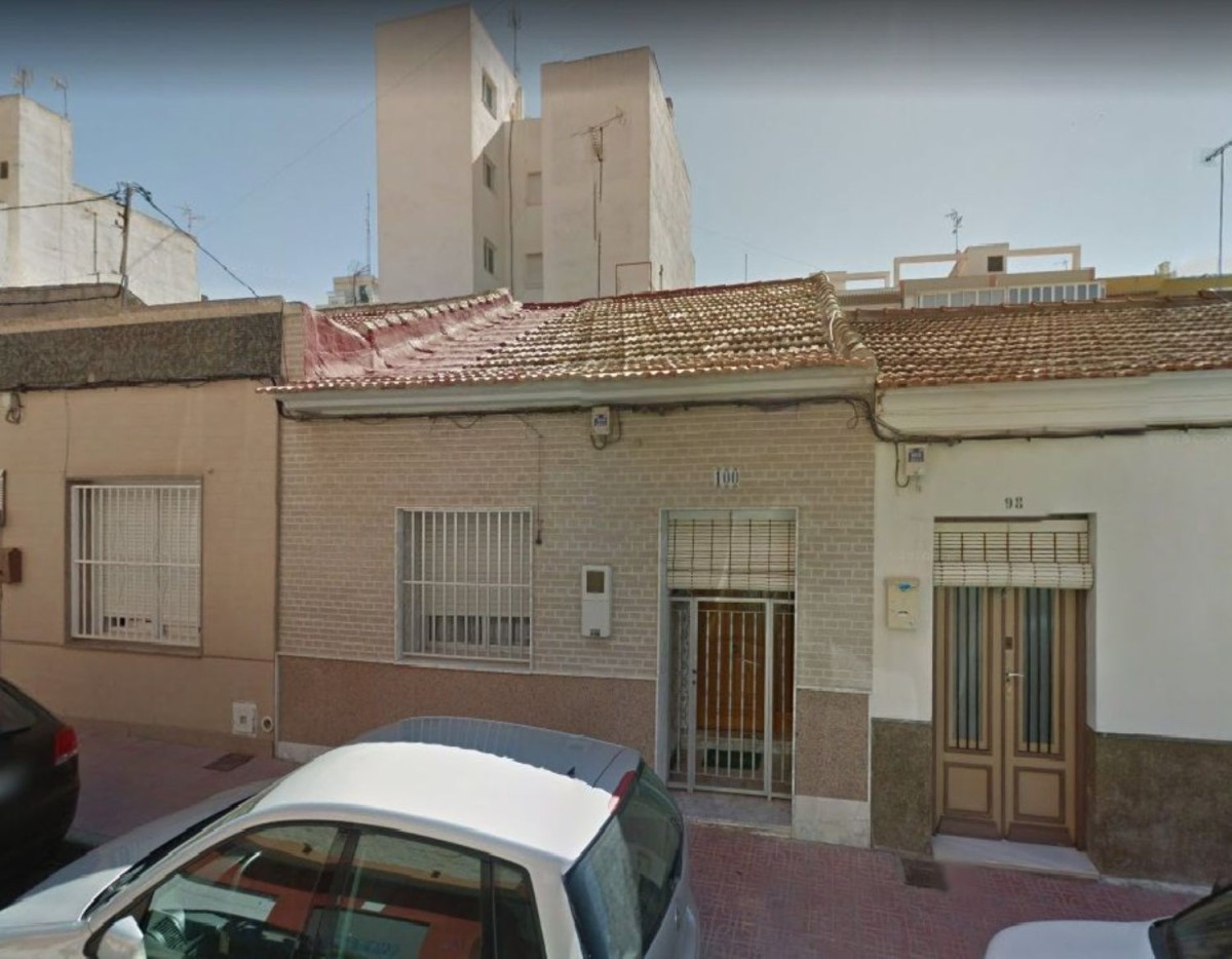 Chalet Adosado en Venta en Centro, Torrevieja