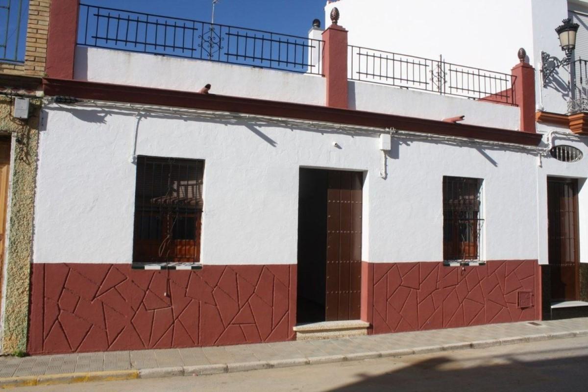 Chalet Adosado en Venta en  Benacazón