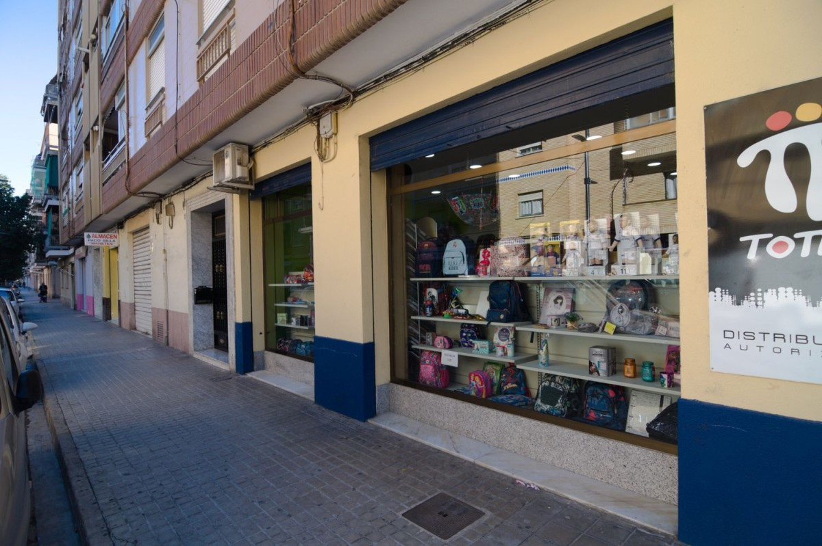 Local Comercial en Alquiler en  Torrent