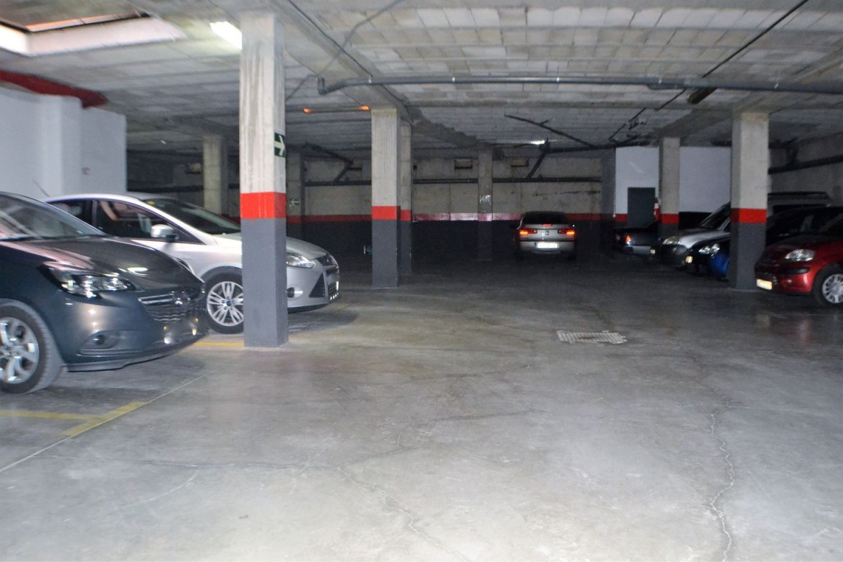 Garaje en Venta en  Camas