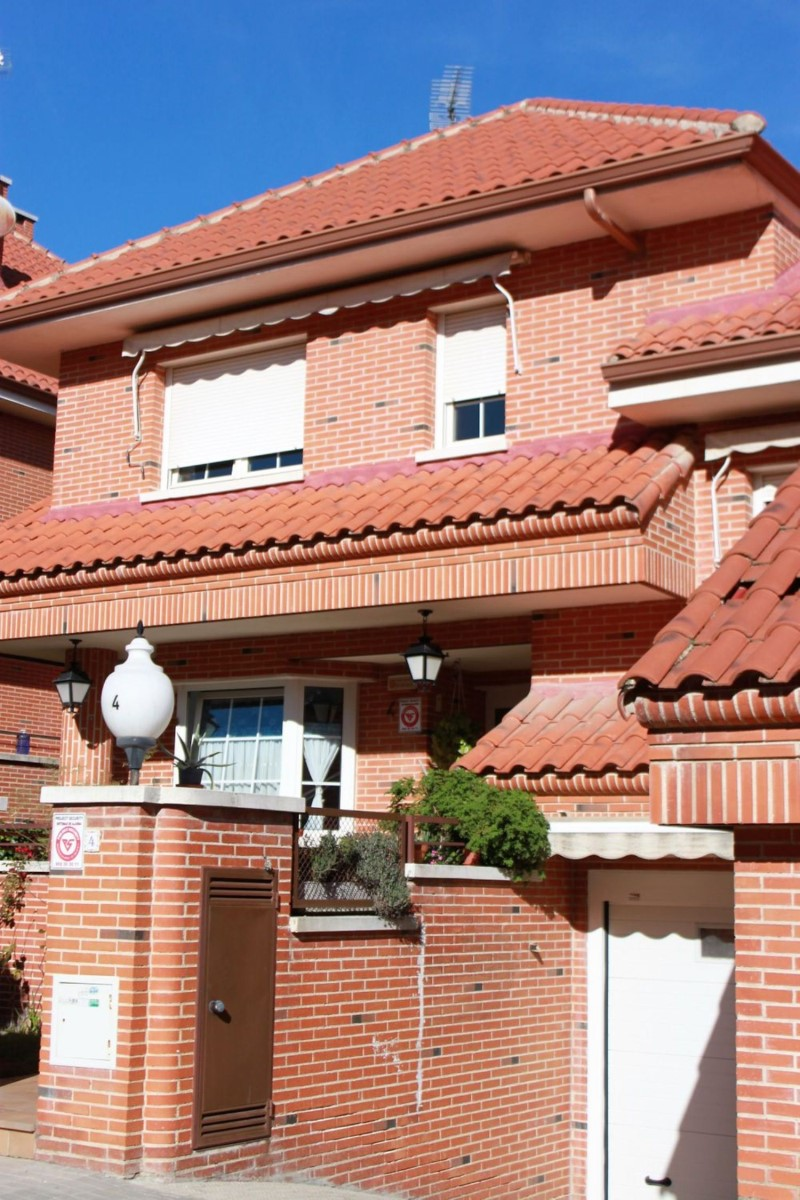 Terraced House  For Sale in  Colmenar Viejo