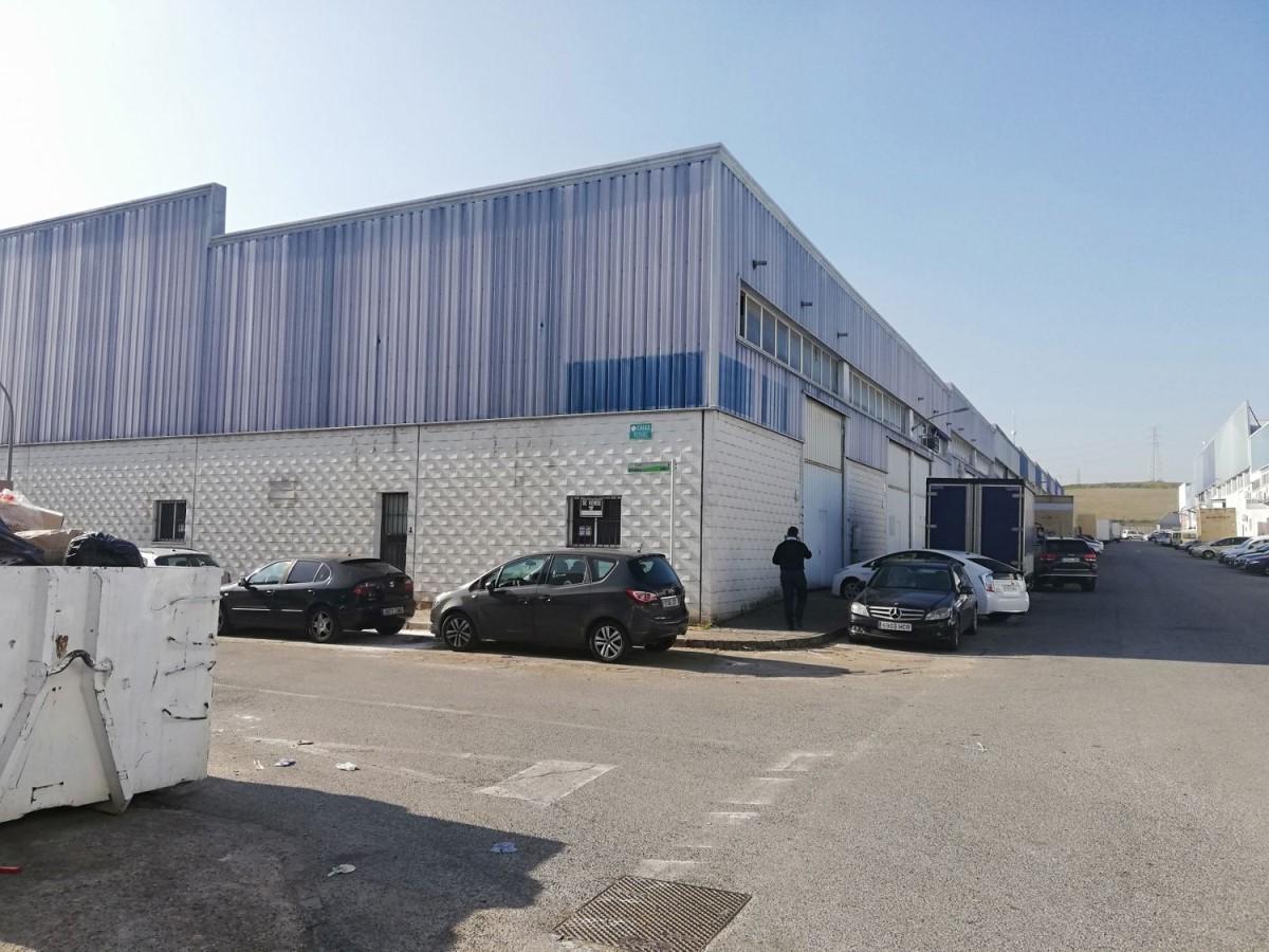 Nave Industrial en Alquiler en  Valencina de la Concepción