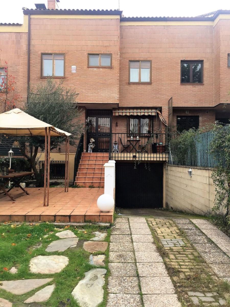 Chalet Adosado en Alquiler en Monte Rozas, Rozas de Madrid, Las