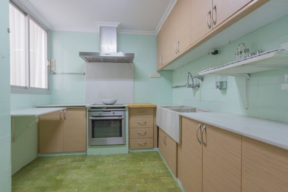 Apartment  For Sale in Benicalap, València
