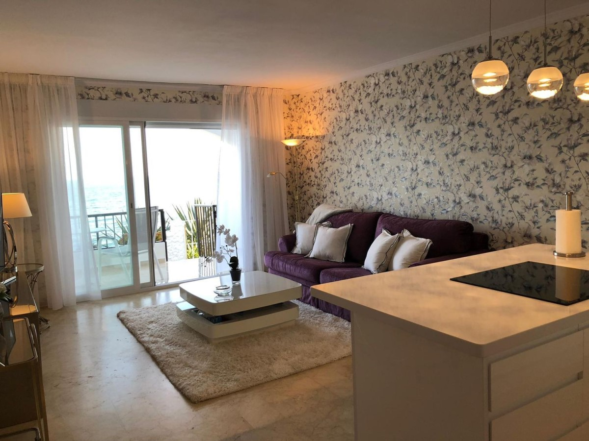 Terraced House  For Rent in Costa Natura, Estepona