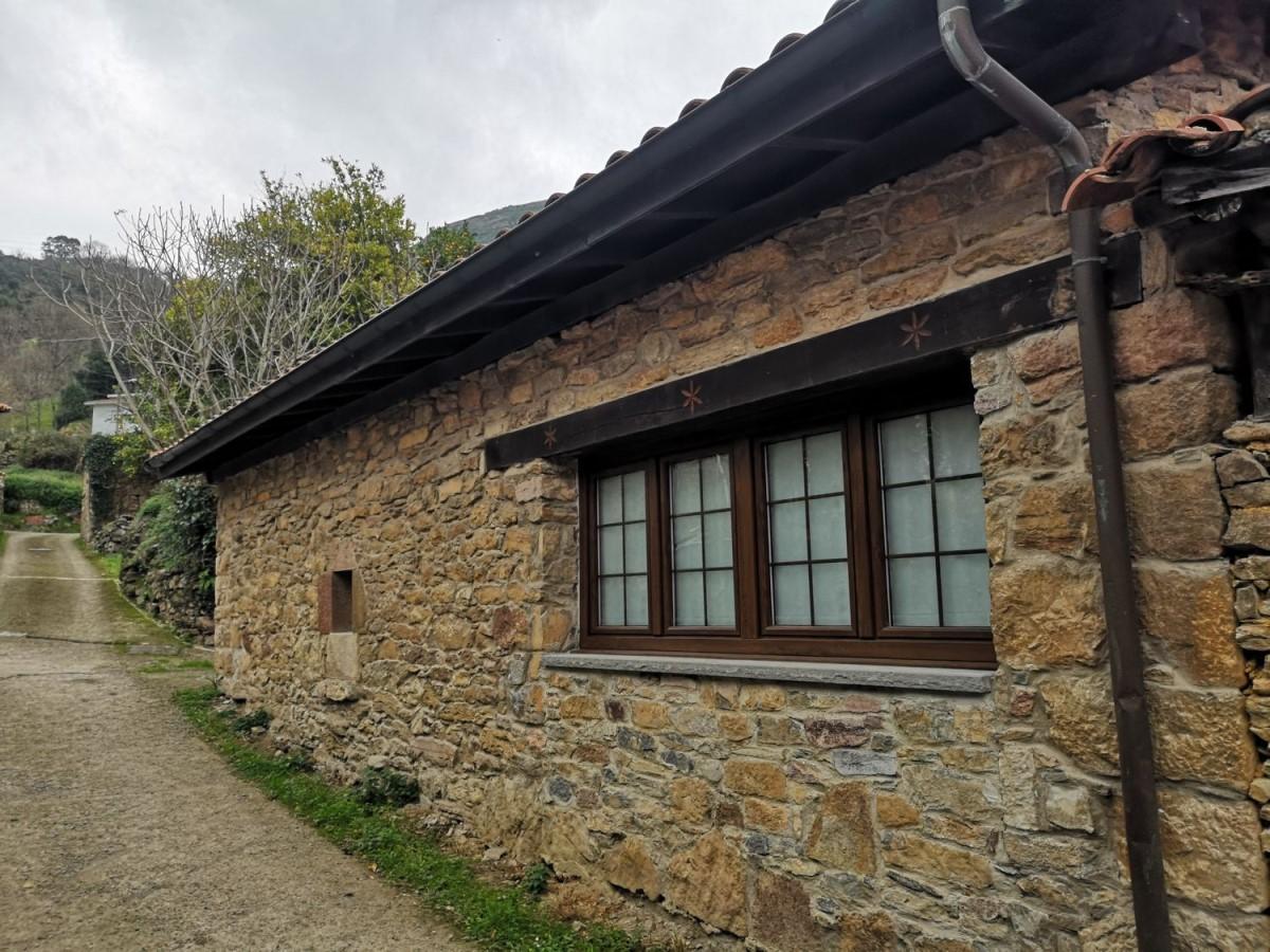 Casa Rural en Venta en  Salas
