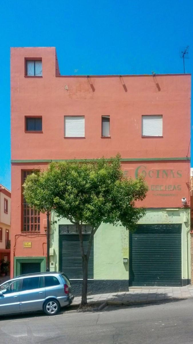 Edificio Dotacional en Venta en  Algeciras
