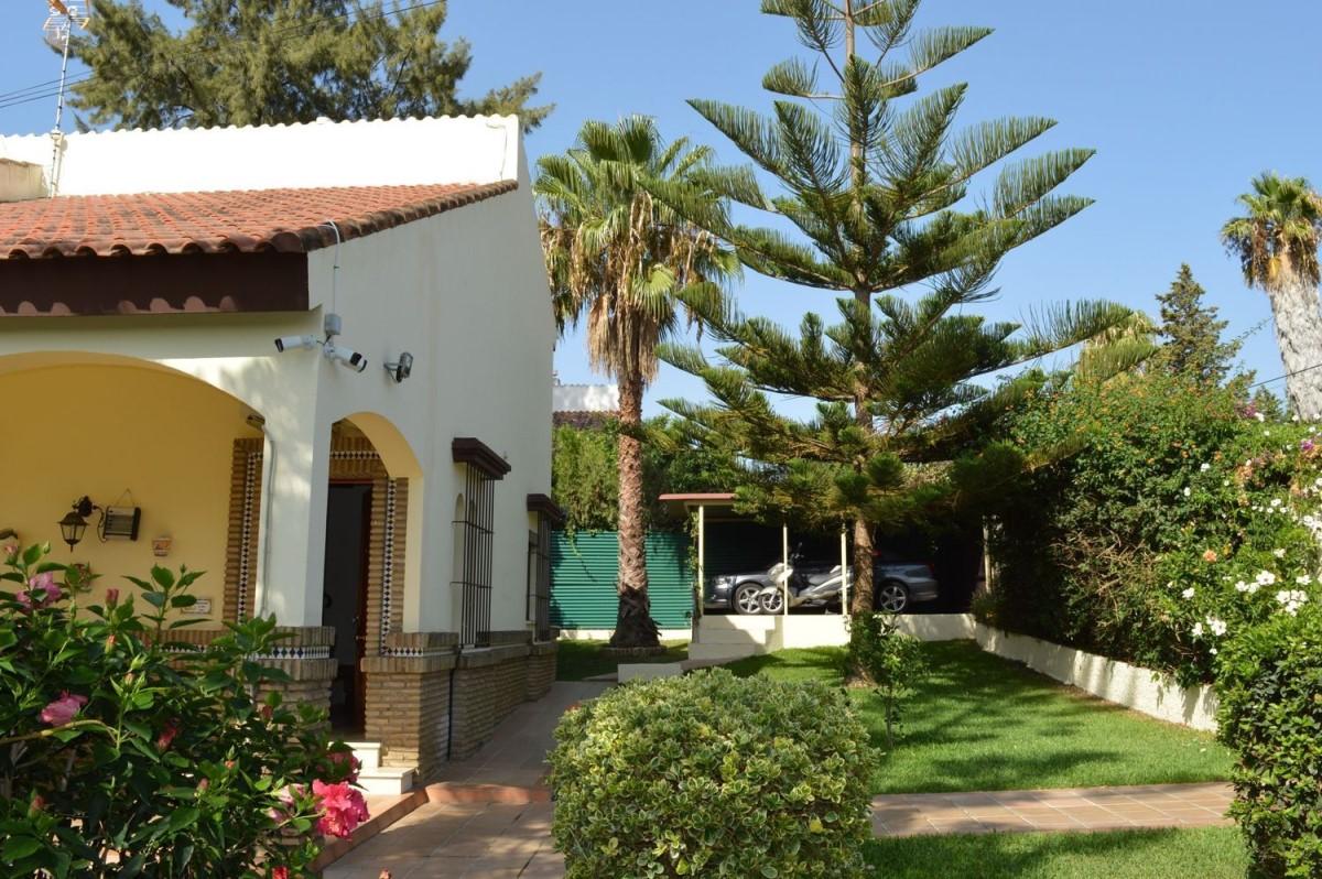 Chalet en Venta en  Ayamonte